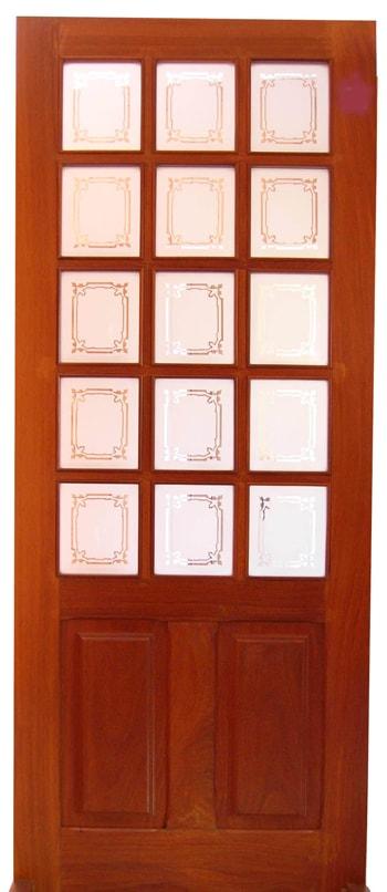 Porta de madeira maciça com almofada e vidro